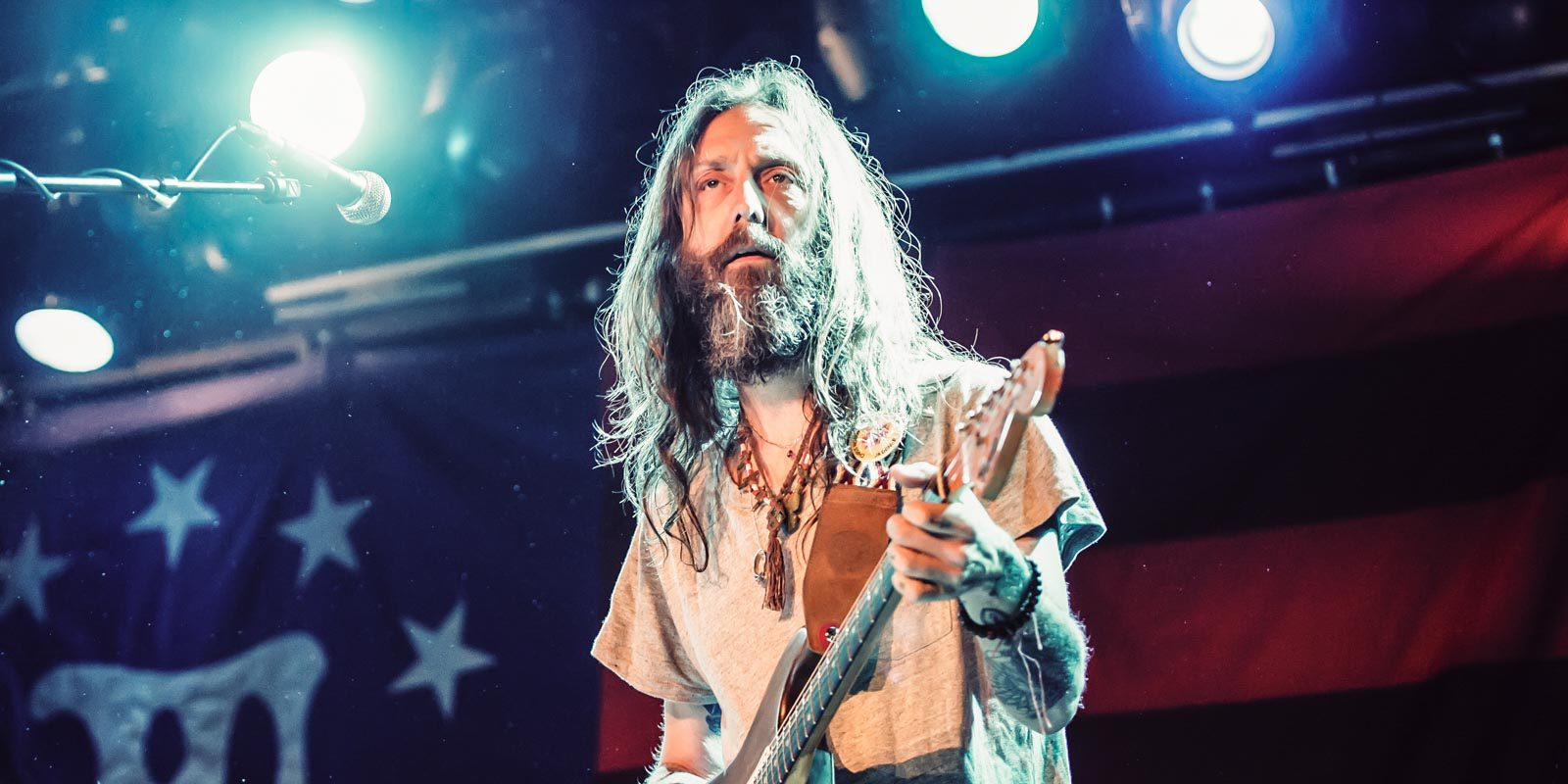 Chris Robinson Brotherhood, Bikini